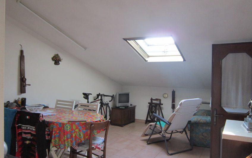 Duplex in zona residenziale con 3 camere